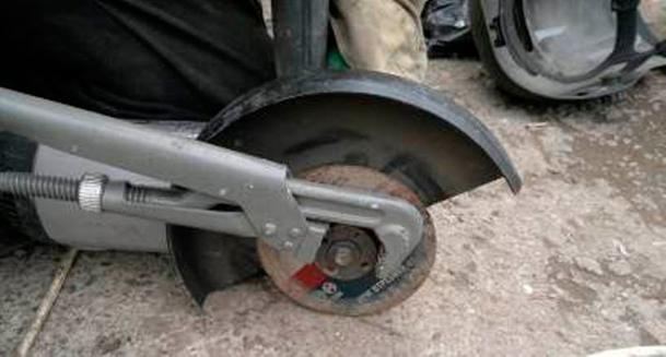 Использовать-трубный-ключ-вместо-специального,-болгарочного